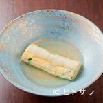 年中万菜録 月うさぎ - たっぷりのダシ汁に浸された『出汁巻き玉子』