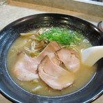 川端どさんこ - 特製みそラーメン650円(ひき肉が入ってます)