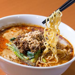 【大人気ランチ】5色の担々麺は780円です!