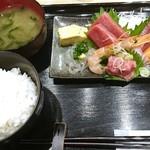 海鮮食堂 うみや - ランチ 水海鮮御前780円