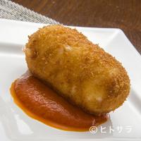 らんぷ亭 - カニ味のソースがとろける『たらばがにのカニクリームコロッケ』