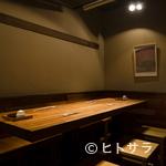 阿佐ヶ谷バードランド - 仲間とじっくりと焼き鳥を味わいたい時はテーブル席を