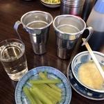 平野屋 - フキ+お酒(常温)