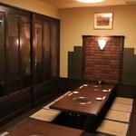 わらべ - 小上がり(個室)このお部屋では事前にご予約いただくと焼肉もできます!