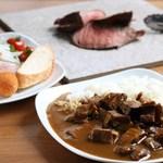ヴィラベーラ - 料理写真:カレー・ビュッフェサラダ・シュラスコ(イチボ)