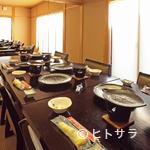 松茸屋魚松 - 田んぼのど真ん中ののどかな景色と広い店内で、心落ち着く雰囲気