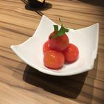 66044103 - トマトの酢漬け