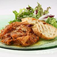 レガリア - 独特な食感がいのち『柔らかく煮た仔牛のトリッパ(第2胃袋)のラグーソース、バケット添え』