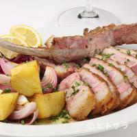 レガリア - 豊橋産ほうび豚の骨付き肩ロース肉のグリル、レモン添え