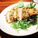 トラヴァリーノ - 季節の食材ロイヤルポークのロースト