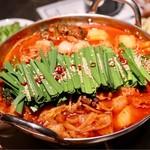 ワイン食堂 ビストロQ - モツ鍋Q(トマト)