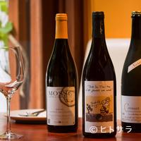 ビストロ・シンバ - 素材自慢の料理を引き立てる自然派ワインの数々