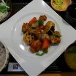 大戸屋 - 鶏と野菜の黒酢あん定食¥861-