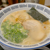 久留米ラーメン 清陽軒 - 料理写真:ラーメン+久留米焼きめしのセットにしました。これは屋台仕込みラーメンです。