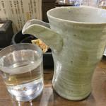 鉄なべ - 芋湯です。 黒霧島の飲み切り2合サイズを頂きました。