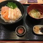 大衆酒処 うみさち - 海鮮丼