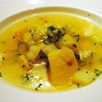 香材創作食房 アーユ - 3000円コース  ジャガイモと白菜のスープ