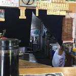 蕎麦bar - さらに奥にある厨房