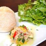 66063526 - ランチセット 1500円 のパン、サラダ、前菜