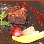 66063629 - ランチセット 1500円 の濃厚チョコレート フルーツ添え フランボワーズソース