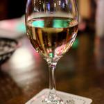 トニーローマ - グラス白ワイン