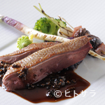 ル・ジャンティオム - ロゼ色を大切に焼き上げた『北海道産青首鴨のロースト トリュフのソース』