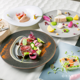 匠の技を一皿ごとに表現。シェフ渾身のコース料理を堪能