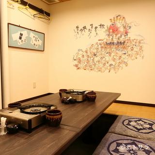 個室でゆったりくつろぐことも、座敷席で大人数の宴会にも対応