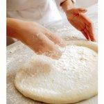 ピザーラエクスプレス - 店内でピザ生地を発酵させて手作りしています!!