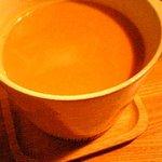 紅茶とお酒の店 teato - ジンジャーミルクティー