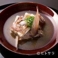 青柳 - 郷土の料理を料亭の味へと昇華させた『鯛の淡々』