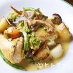 レスプリ・ミタニ ア ゲタリ - 鶏の旨みこそが極上のソース『鶏モモ肉のココット蒸し』