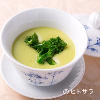 ワキヤ 一笑美茶樓 - 心も体もじんわり温まる『あさりと菜の花のするするスープ』