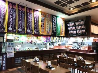 ASIAN - 道の駅「万葉の里 高岡」にあるレストランです