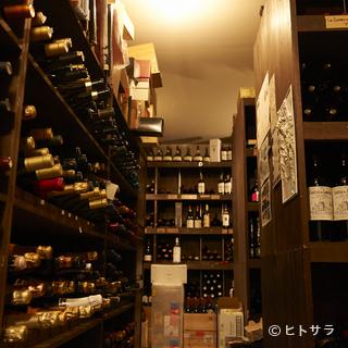 ワインのストックは1万本以上。料理に寄り添う1本を見つ...