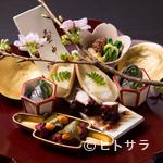 御料理 貴船 - 季節の食材が美しく盛られた『盛り込み』