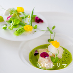 コシモ・プリュス - どんな料理とも合わせられるよう、ワインのストックは150種類