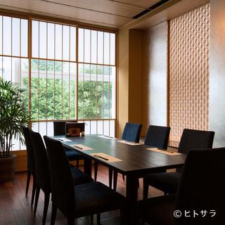 組子細工も美しい、心和む個室はあらゆるシーンで利用が可能