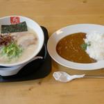 久留米ラーメン清陽軒 - 『豚骨ラーメン&豚骨カレー』という夢のような企画。