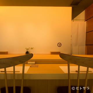 食通の県外客や海外のゲストを、伝統が息づく江戸前鮨でもてなす