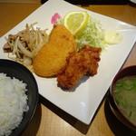 情熱食堂 - 焼き肉&唐揚げ&コロッケ定食(880円)