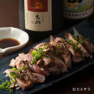 地元で採れた新鮮な博多地鶏は調理のバリエーション豊富