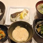 典 - 魚めし豚汁定食1000円