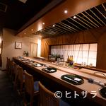 天や - 揚げたての天ぷらを熱々のままいただけるカウンター席