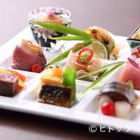 りょうり屋 くどう - 丁寧につくられた、彩りもバリエーションも豊かな料理。目でも愉しめる『弐の膳』
