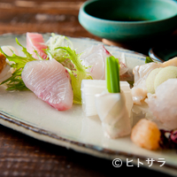 北野坂栄ゐ田 - お酒の肴にもぴったり。新鮮な魚の旨みが口の中いっぱいに広がる『お造りの盛り合わせ』