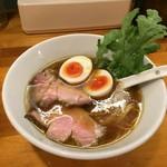極汁美麺 umami - 醤油らーめん(780円)+煮玉子のせ(120円)