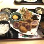 66094712 - 本マグロレアカツ定食♪