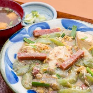気軽に手軽に、リーズナブルな価格で沖縄の家庭料理が堪能できる