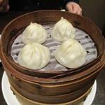 南翔饅頭店 - 小籠包